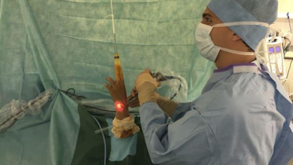 kyste poignet chirurgies poignet main poignet paris docteur thomas waitzenegger chirurgie epaule chirurgie main chirurgie coude paris 16 longjumeau